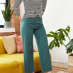 How to wear green trousers